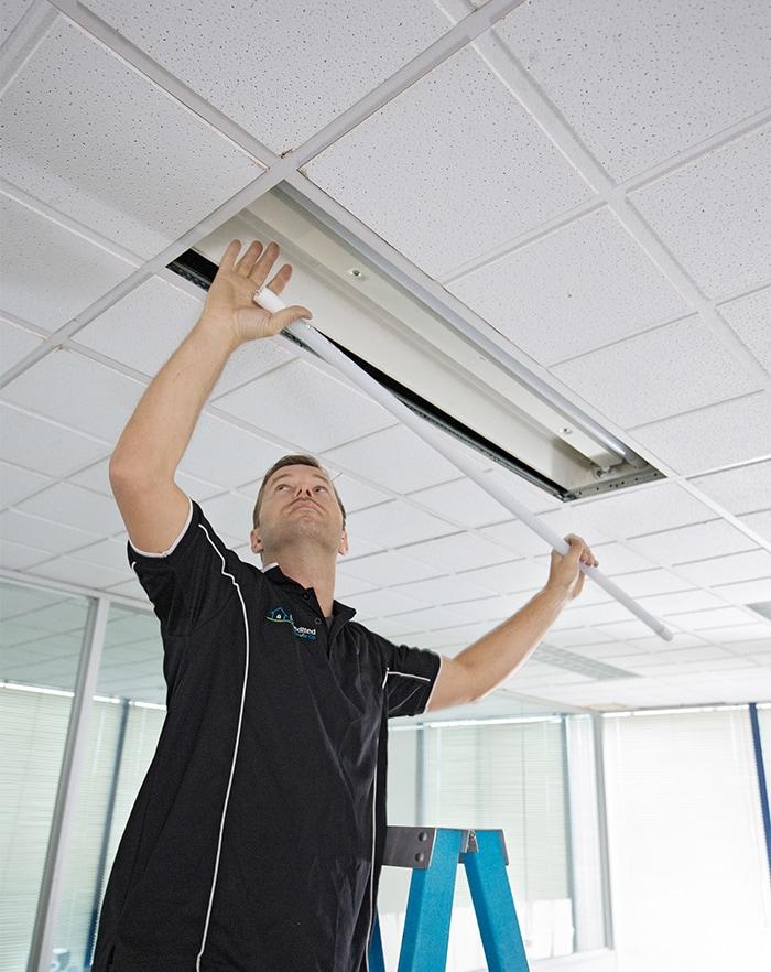 commercial-lighting-installer