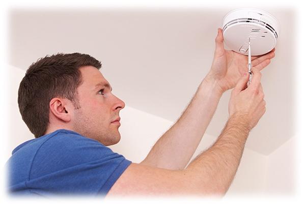 smoke-alarm-installer-03